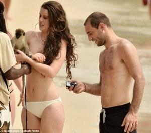 Zaba blanks girlfriend for mobile betting...